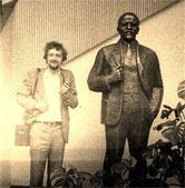 Avec mon pote Vladimir Illitch Oulianov en août 1976 à Berlin
