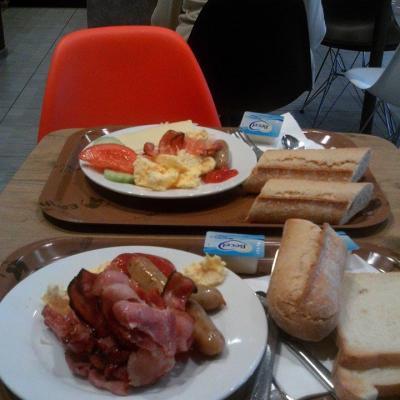 3 octobre 2015 à l'Ibis de La Panne : petit déj'