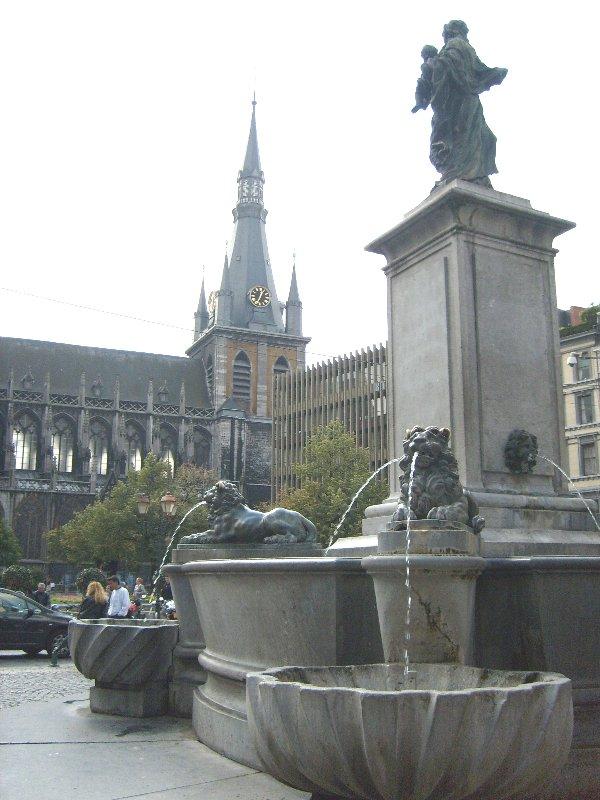 Cathédrale de Liège vue de Vinâve d'Ile