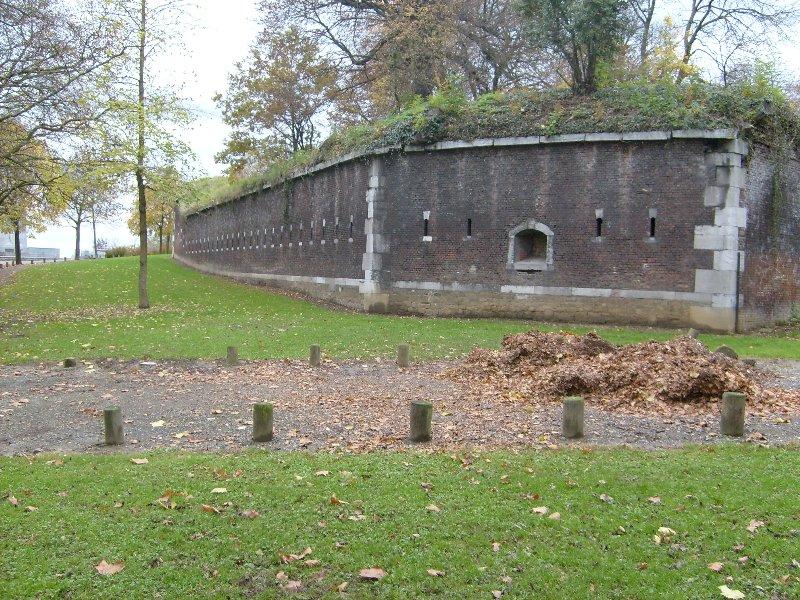 4 nov 07 remparts de la Citadelle à Liège