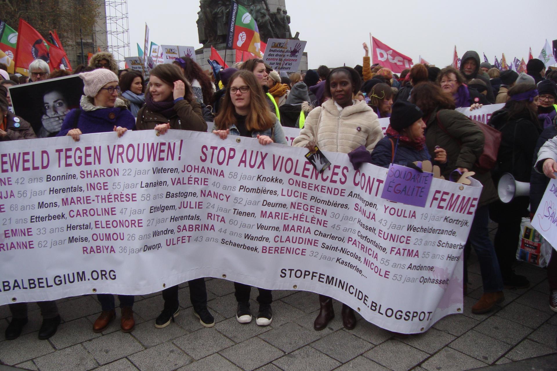 25 novembre 2018 Manif contre violences faites aux Femmes - Place Poelaert à BXL
