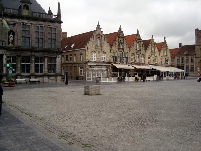 Grand Place de Furnes - juin 2018