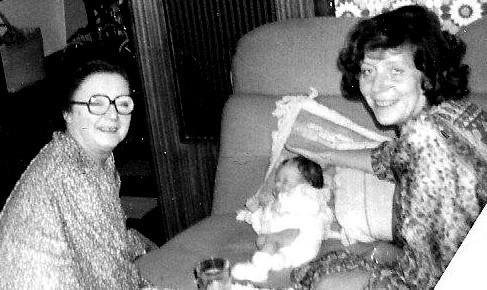 Ma mère Gaëlle et Claire