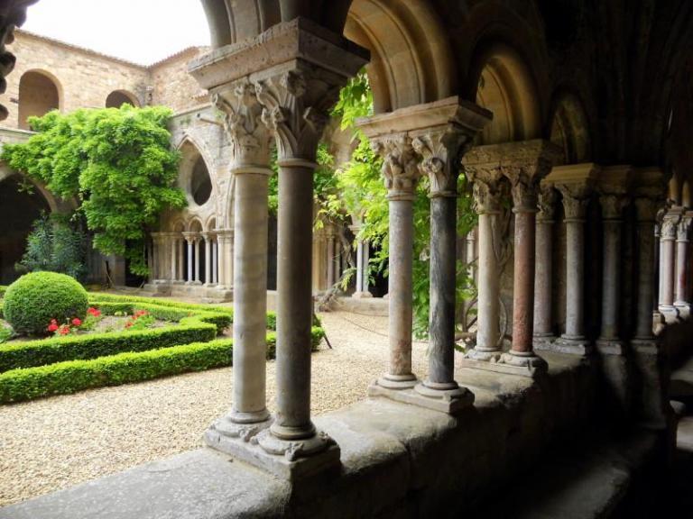 Fondfroide Jardin et colonnes