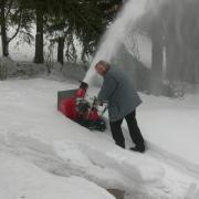 Je tonds la neige à Mont-Soleil en décembre 2007